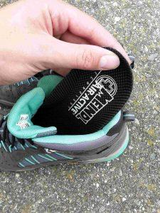 Schuhpflege Fußbett entfernen